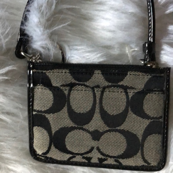 Coach Accessories - Coach all in 1 Wristlet NWT